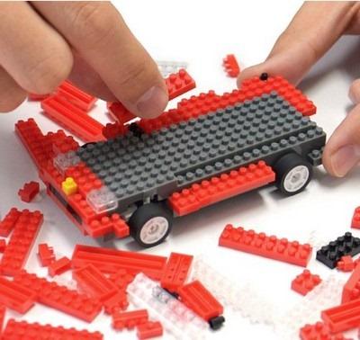 iPhone・iPadで操作のRCカー「つくラジ!」ブロックで組み立て