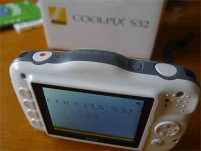 COOLPIX S32背面