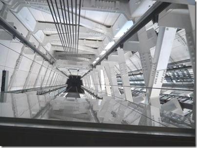 東京スカイツリー展望回廊へのエレベーター天井