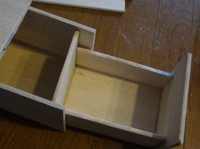 ティッシュケースとゴミ箱