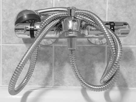 頭皮の湿疹対策にはシャワー